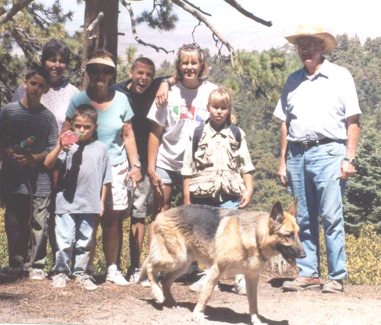 Chris, Cheryl, Isaac, Eileen, Tommy, Pam, Allison, Lou, Rudy; hike2_web.jpg